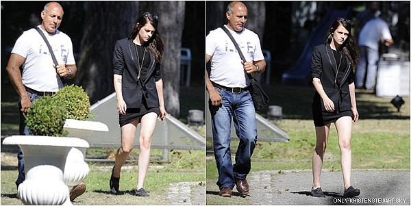 26.08.13 - Les premières photos de Kristen sur le tournage du film Sils Maria à Berlin :