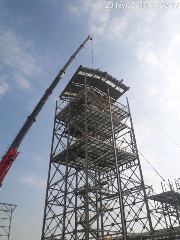 Assemblage et montage de la tour de transfert à OCP JorfLasfar