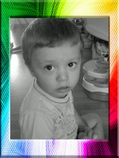 a mon petit frere loriis que j'aime plus que tout !!!!