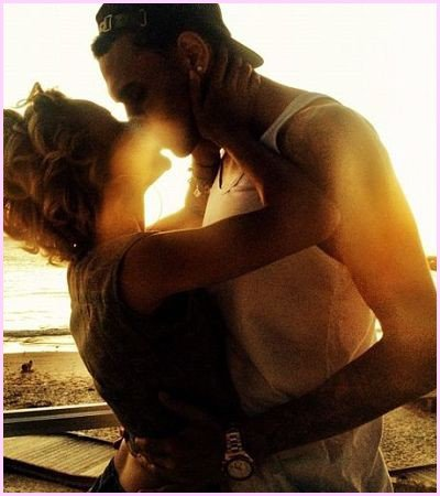 Ma plus belles relations a durée 9 mois, c'était dans le ventre de ma mére ♥