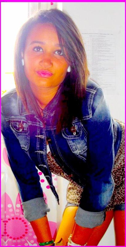 .•♥ Шωш .FASHION-Girls . S K A Y C H I C . C 0 M ♥•.                                                                                                                                                                           T'a Las Class ★                                                                                                                                                                                                                      BrasilL. ۞