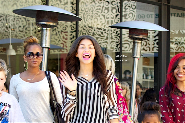 . 16 Octobre ; Zendaya Quittant le Cafe Gratitude à Larchmont Village, Los Angeles Top ou flop?  .