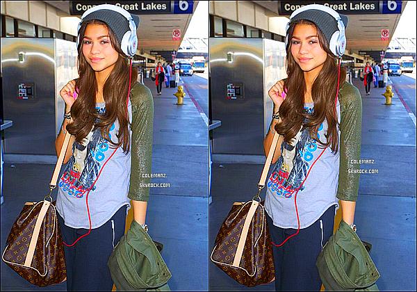 . 13/03/2013 : Zendaya,son père et son partenaire de DWTS a l'aéroport de LAX direction New-York. .