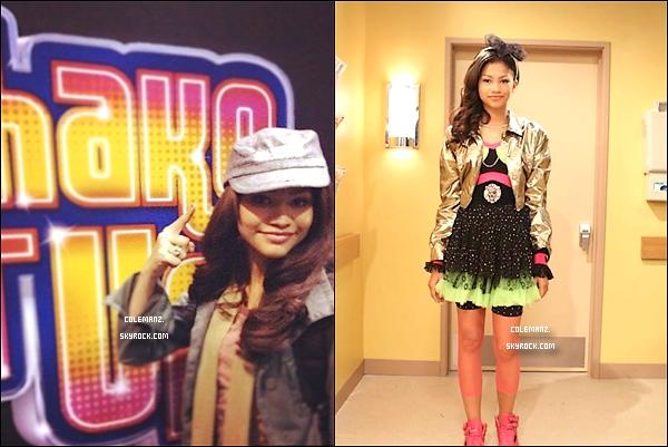 . Découvrez de nouvelles photos où l'on peut apercevoir Zendaya sur le Tournage de Shake it Up Saison 3. .