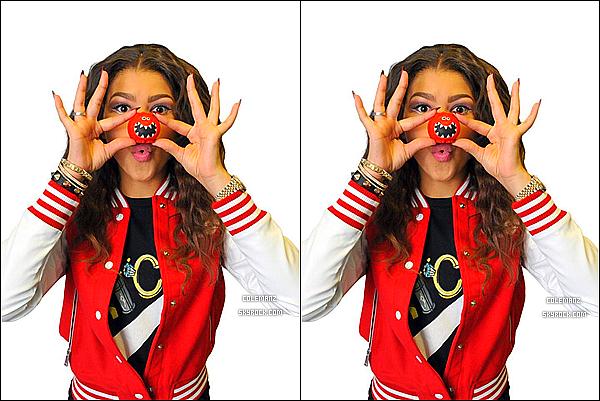 """. Découvrez une nouvelle photo promotionnelle de Zendaya et son partenaire pour """"Dancing With The Stars.""""  + Zendaya en couverture d'un magazine + Une nouvelle photo pour """"Red Nose Day."""" ."""