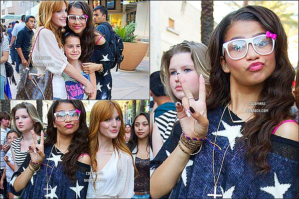 . 29/06/2012 : Zendaya,Bella et leur amies allant au cinéma,Los Angeles. Je trouve Zendaya juste sublime dans ce look! & vous? .