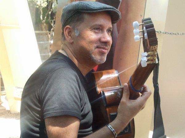 Joachim Guitariste Basiste Compositeur Team Music Art