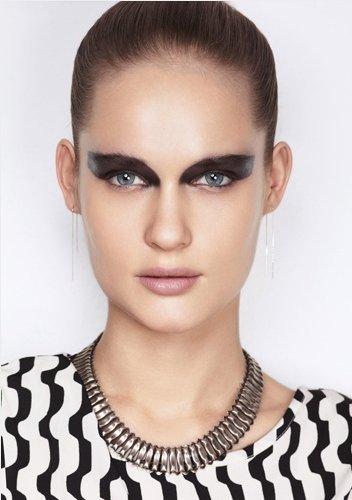 Un maquillage black pour les fêtes !