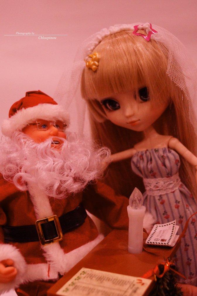 Ouvéa dans le bureau du Père Noel