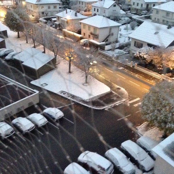 Lundi 7 novembre :  premières neige , c'est joli....
