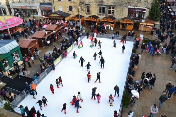 Notre patinoire et encore marché de Noël....