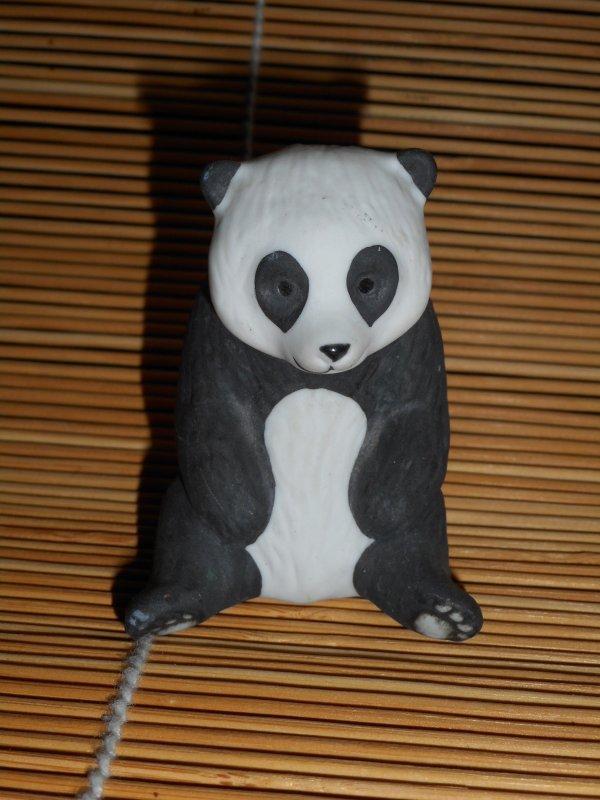 panda figurine 2