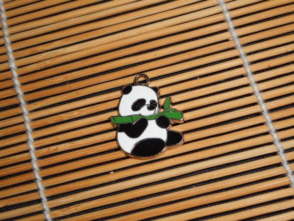 panda médaillon 2
