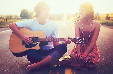 Toi et moi c'est finit mais ça restera une partie de notre vie qui aura été une histoire commune. Tu ne m'auras plus à tes côtés mais tu ne pourras pas m'enlever de ton passé qui a été un chapitre de ta vie. Oui je resterai un chapitre marquant dans ta vie..