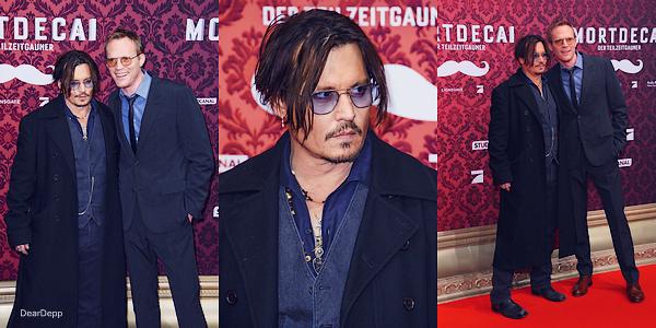 . 18.01.15 : Johnny était en Allemagne pour la promotion de Charlie MortdecaiRetrouvez des photos du Photocall et de l'Avant-Première en présence de Paul Bettany. .