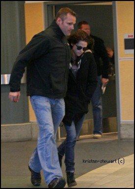 Kristen à Vancouver pour tourner la suite de Breaking Dawn.