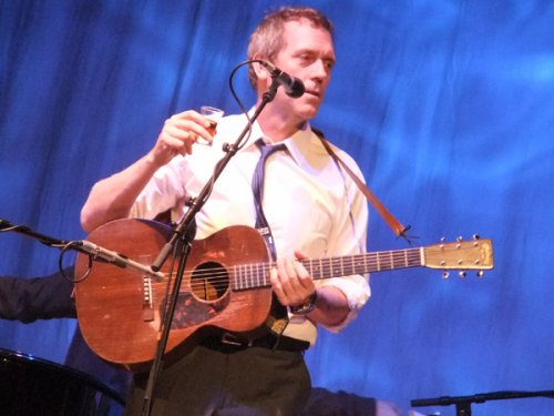 Let Them Talk / Hugh Laurie - St James Infirmary (2011)