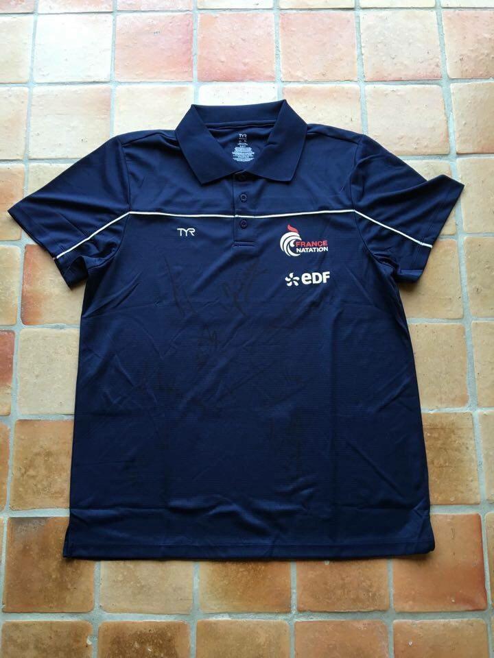 Polo de l'équipe de France de natation porté par Florent Manaudou