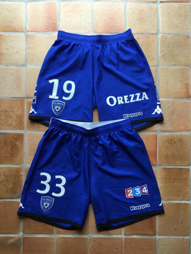 Shorts portés avec le SC Bastia