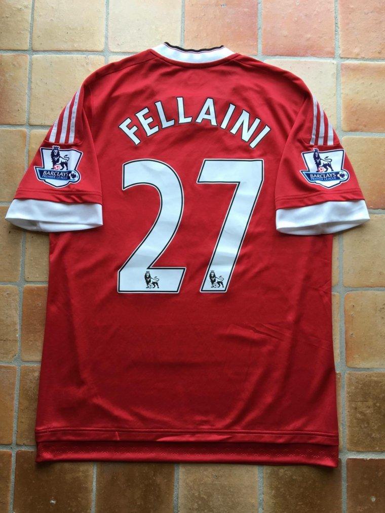 Maillot et short portés par Marouane Fellaini avec Manchester United