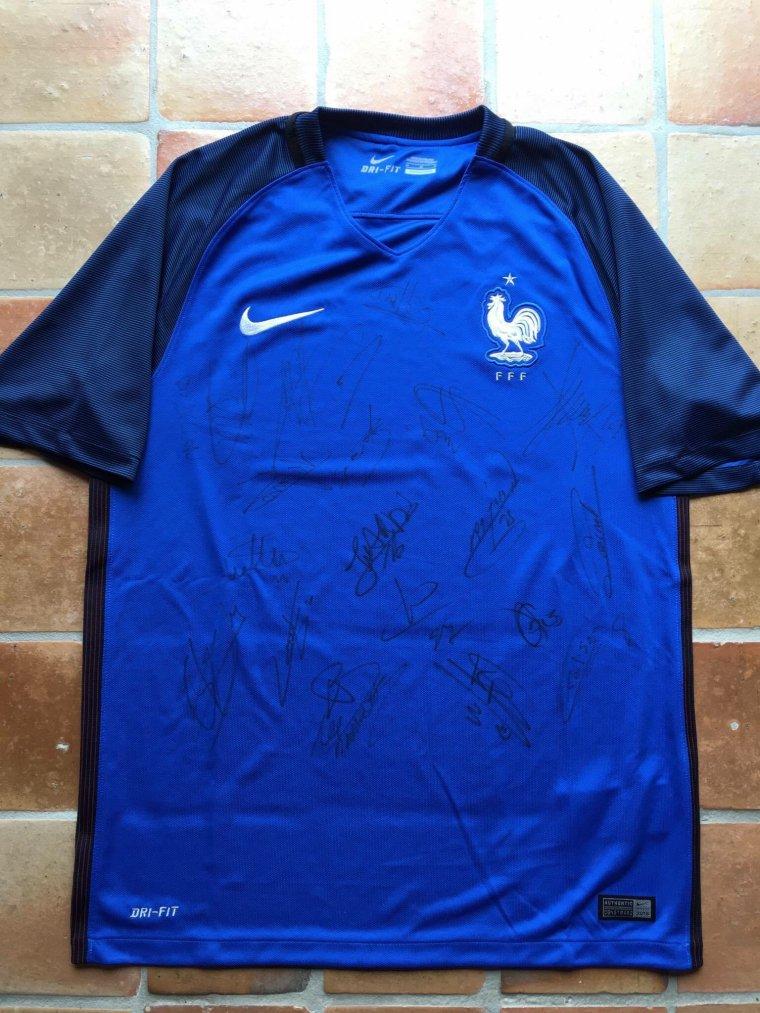 Maillot de l'équipe de France dédicacé pour l'ensemble des espoirs