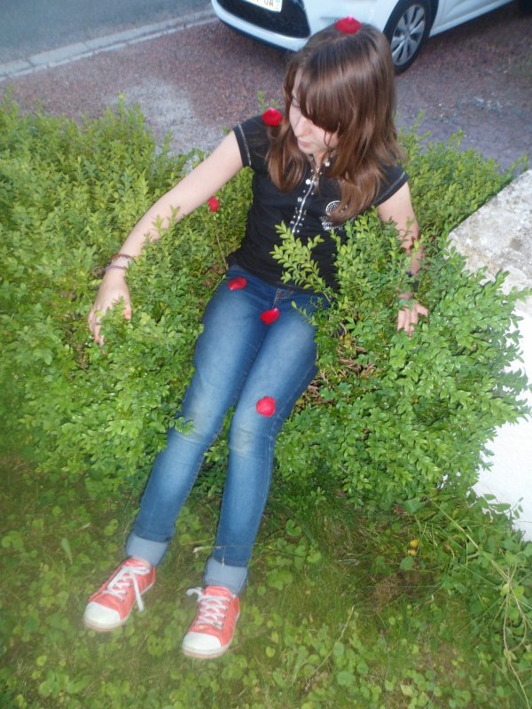Comme si j'étais une fille normale ;)♥......hahaha.......