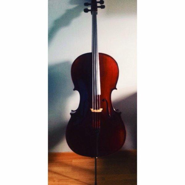 Cello 𝄢