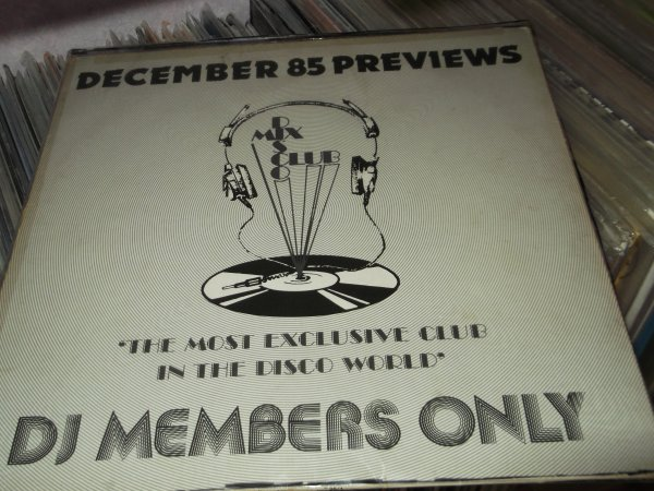 DMC ( disco mix club ) decembre 1985 previews