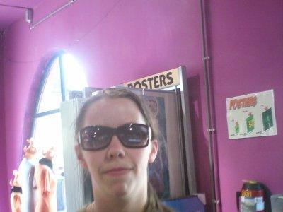 mi a walibi ke chuit belle avec les lunette de soleil mdr lol