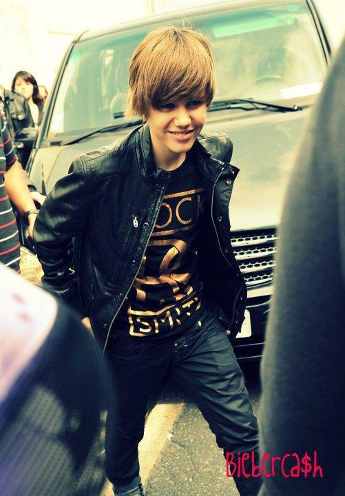 Justin Bieber : « Les filles, je vous aime… toutes! »