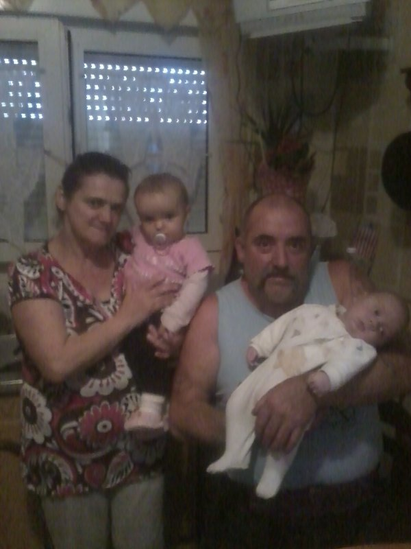 mon pere ma mere ma fille et mon neveuu enzo