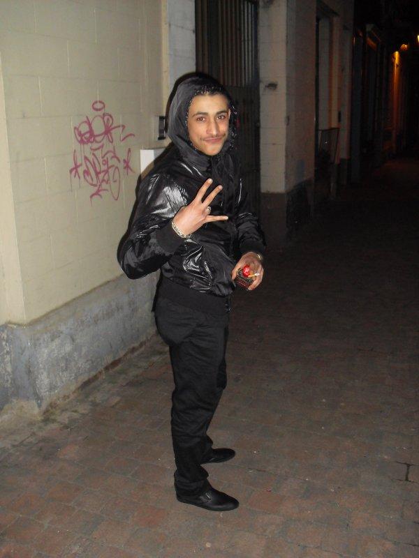 It ISs Me F&Ck Le Titre  F&Ck Le MOonTage And F&Ck Le MaQUuiLLage ....!!!!!!