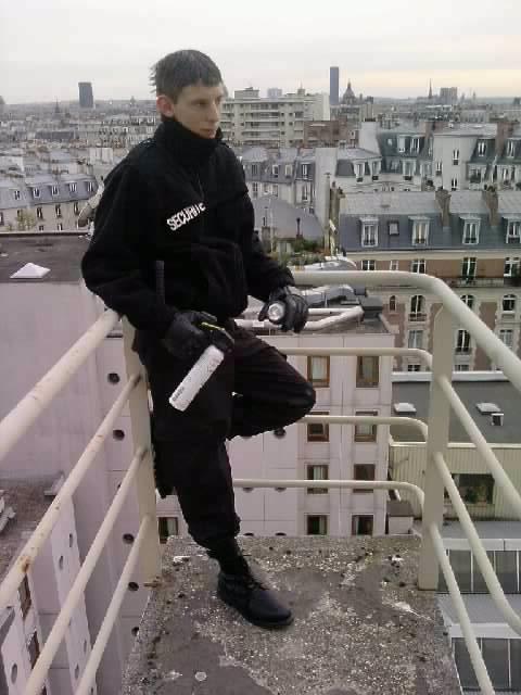 agent de sécurité  8-p