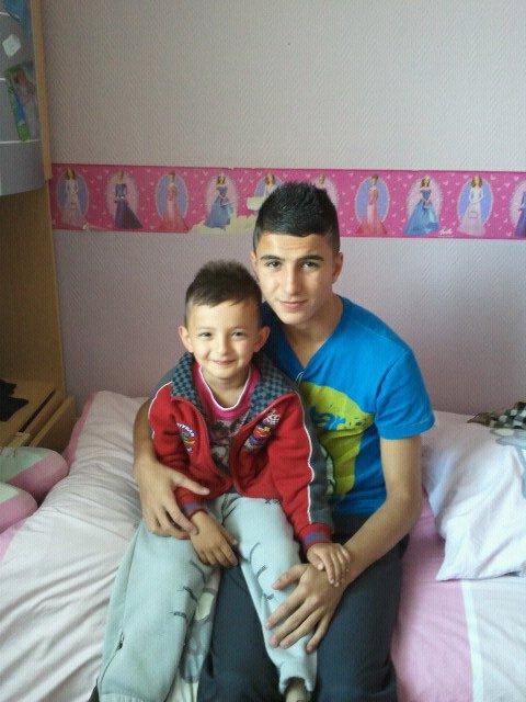 Le plus important dans ma vie c'est lui je t'aime Petit frère ma vie mon sang ...