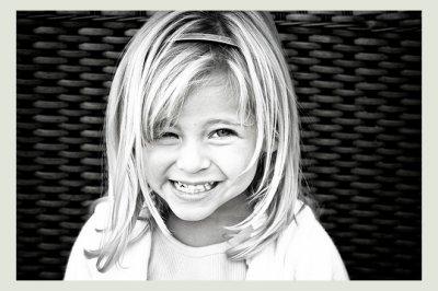 « L'enfance trouve son paradis dans l'instant. Elle ne demande pas du bonheur. Elle est le bonheur.  » -Louis Pauwels-
