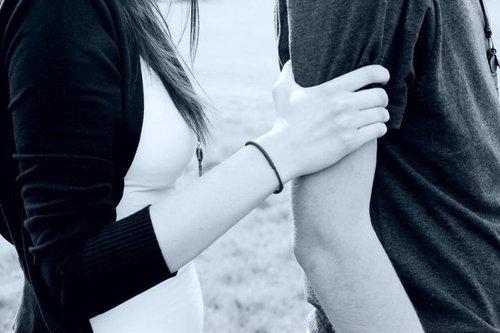 """""""En amour on pardonne mais on oublie jamais.""""  -Inconnu-"""