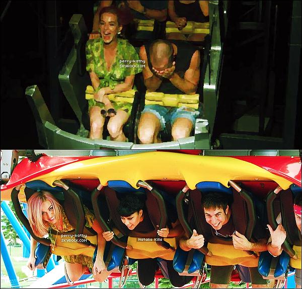 24/08/11 : Katy Perry a été aperçue dans une station essence de Los Angeles, un sac rempli de friandises à la main.23/08/11 : Katy a pris du bon temps dans les parcs d'attractions Six Flags avec des amis, notamment Natalia Kills.