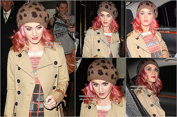 13/10/11 : Katy Perry et sa teinture à nouveau rose quittaient le restaurant « The Wolseley » à Londres. TOP/FLOP ? 10/10/11 : Mrs  K. Perry était à l'aéroport LAX de Los Angeles ( Californie ) pour se rendre à Londres ( Angleterre ).