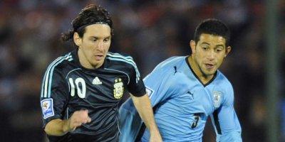 Maillot préparé pour Lionel MESSI : Uruguay - Argentine (Qualification Coupe du Monde 2010)