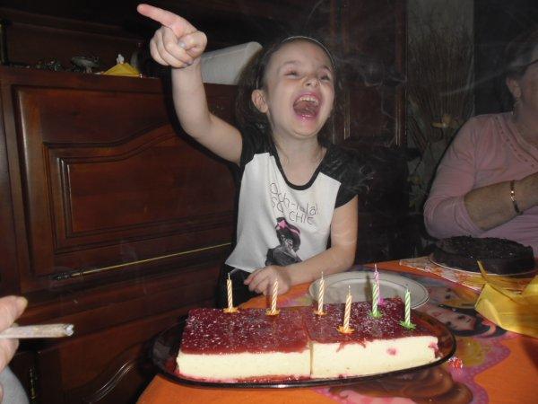 me revoilà je mets la suite des photos d'anniversaire d'Océane 7 ans