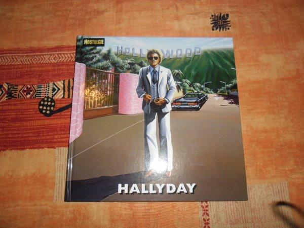 bonjour j'espère que vous avez passer un exellent week-end ,ma rose d'amour ma offert un super album de johnny hallyday de 1979 qui s'intitule HOLLYWOOD avec des superbe photos de johnny et avec deux CD et un DVD du pavillon de paris en 1979 remasteriser