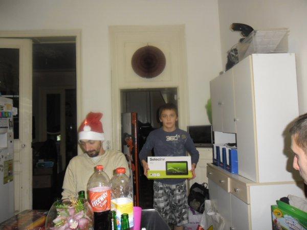 et oui le père noèl a fait sa livraison de cadeaux ces superbe les enfants ont été gatter
