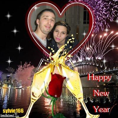 bonsoir mon amie sylvie pour ces sublimes cadeaux pour la nouvelle année 2015 moi je vous souhaitent mes meilleurs voeux pour la nouvelle année et je vous fais tout plein de gros bisous