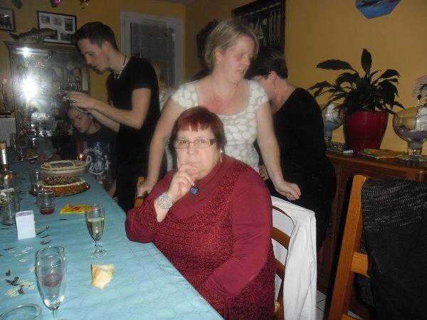 bonsoir voici les photos du week-end nous avons été invitée chez mon beau-frère gilbert et ma belle-soeur cathy ont n'a passer une exellente soirée je vous fais tout plein de gros bisous