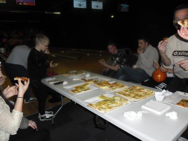 et voici la suite du bowling en famille hihihiiiiiiiiiiiiiiiiiiii