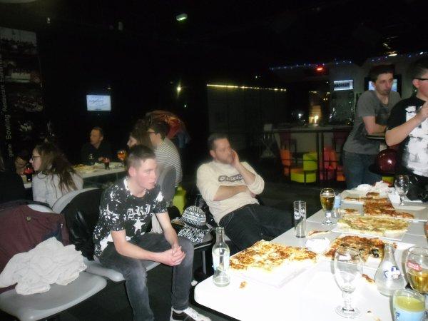 et voici les dernière photos du bowling je vous souhaitent une bonne fin de soirée