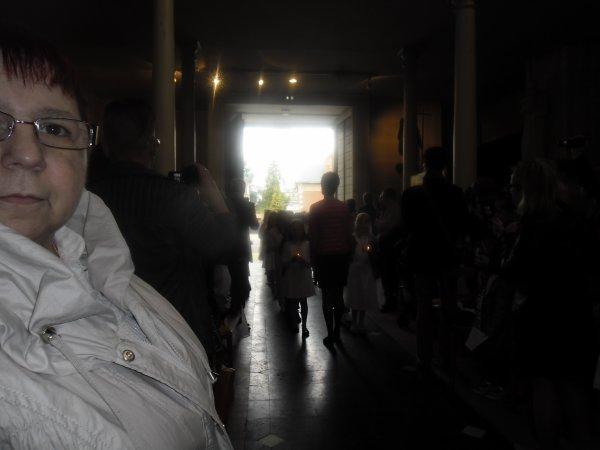 bonsoir aujourd'hui ont n'a été a la communion a mon petit fils Anthony c'était super par contre le temps n'était pas avec nous il a fait froid et nuageux enfin sa ces très bien passer je vais vous mettent les photos