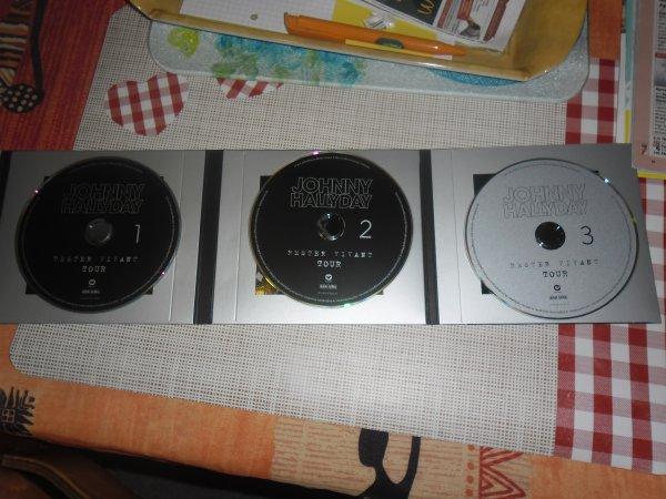 bonsoir mes amies et amis comme tout les fans du boss je me suis offert c'est trois CD du concert a BRUXELLE  je vous souhaitent a tous une bonne et douce nuit moi je vous fais tout plein de gros bisous