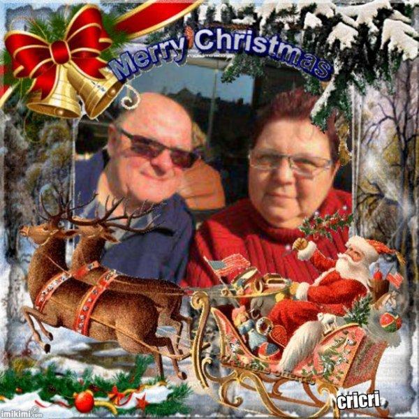 bonsoir mon amie christineditcricri62100 merci pour ce sublime cadeau de noèl moi je vous souhaitent une très bonne soirée ainsi qu'un très bon week-end de noèl en famille je vous fais tout plein de gros bisous