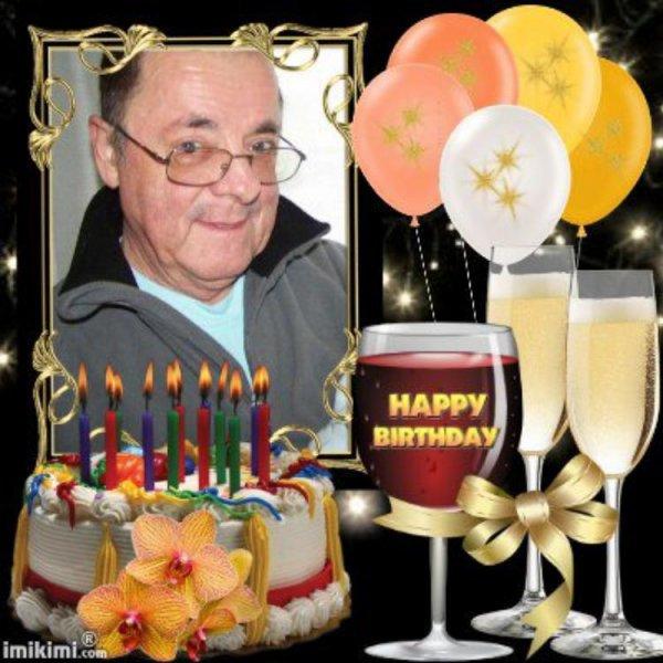merci mon amie EOLIENNE76 pour ce magnifique cadeau pour mon anniversaire et oui demain encore 1 ans de plus et oui 66 ans merci encore c'est super gentil je suis très content moi je t'envoi des milliers de gros bisous et je te souhaite un bon début de soirée